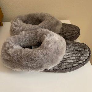 Ugg slippers - worn 1x / size 7